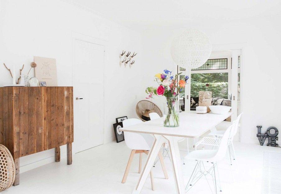 Witte eetkamer | white diner room | vtwonen 05-2017 | Styling en ...