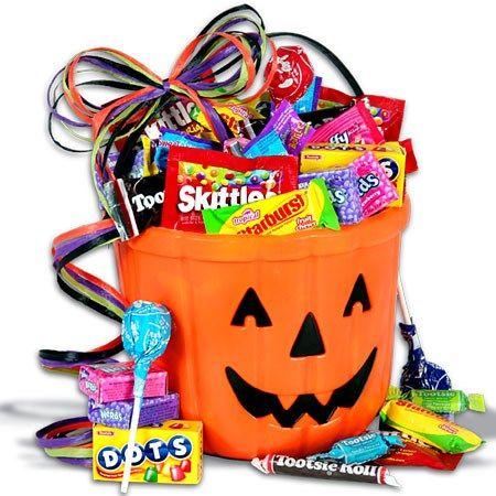 Candy-O-Lantern Halloween Gift Basket #spookybasketideas