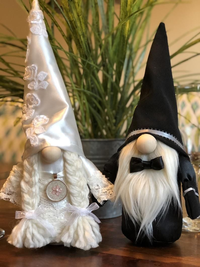 Bride and groom nordic wedding gnomes for wedding gifts