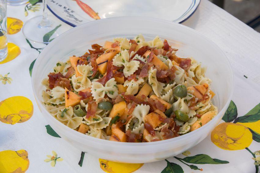 Grilled melon and prosciutto pasta salad pasta salads pinterest grilled melon and prosciutto pasta salad forumfinder Gallery