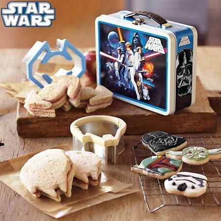 Star Wars Sandwich Cutters and lunchbox I want this!!!
