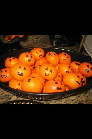 Jack o lantern cuties all you need is a black sharpie for Easy halloween treats for work party