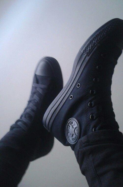 Imagen de converse, black, and shoes