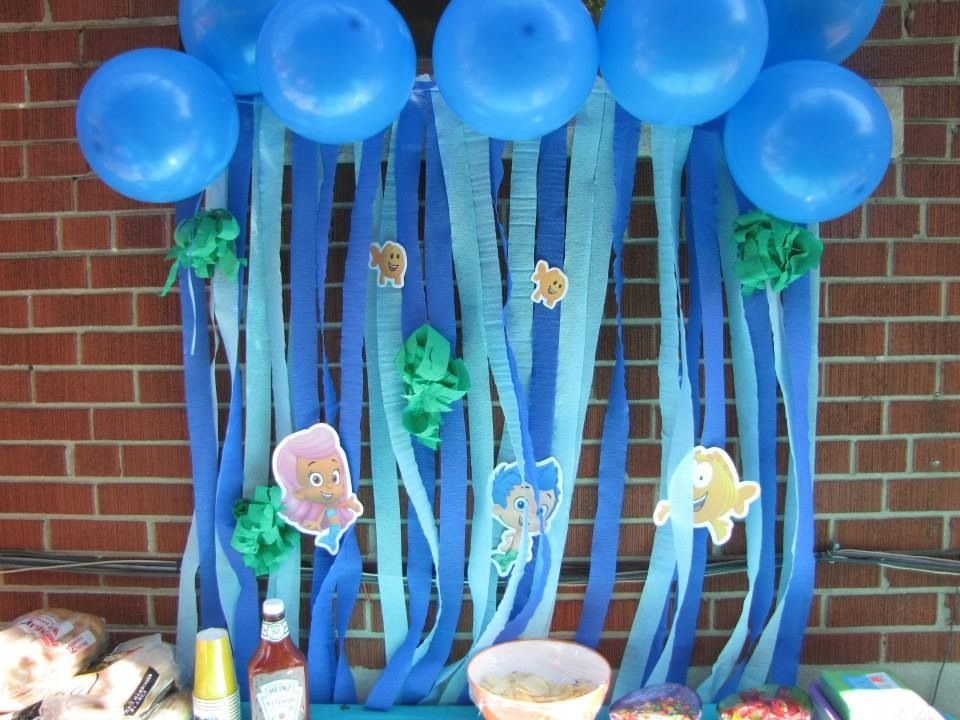 Bubble guppies bday party decoration crafty 2 the core diy galore pinterest bubble - Bubble guppies center pieces ...