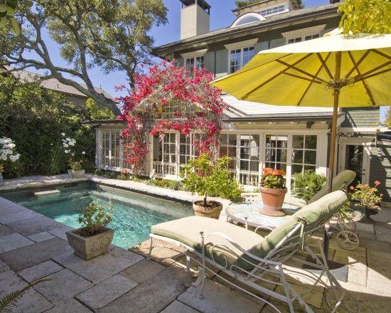 Traditional Beach Cottage Design, Pictures, Remodel, Decor and Ideas - reihenhausgarten und pool