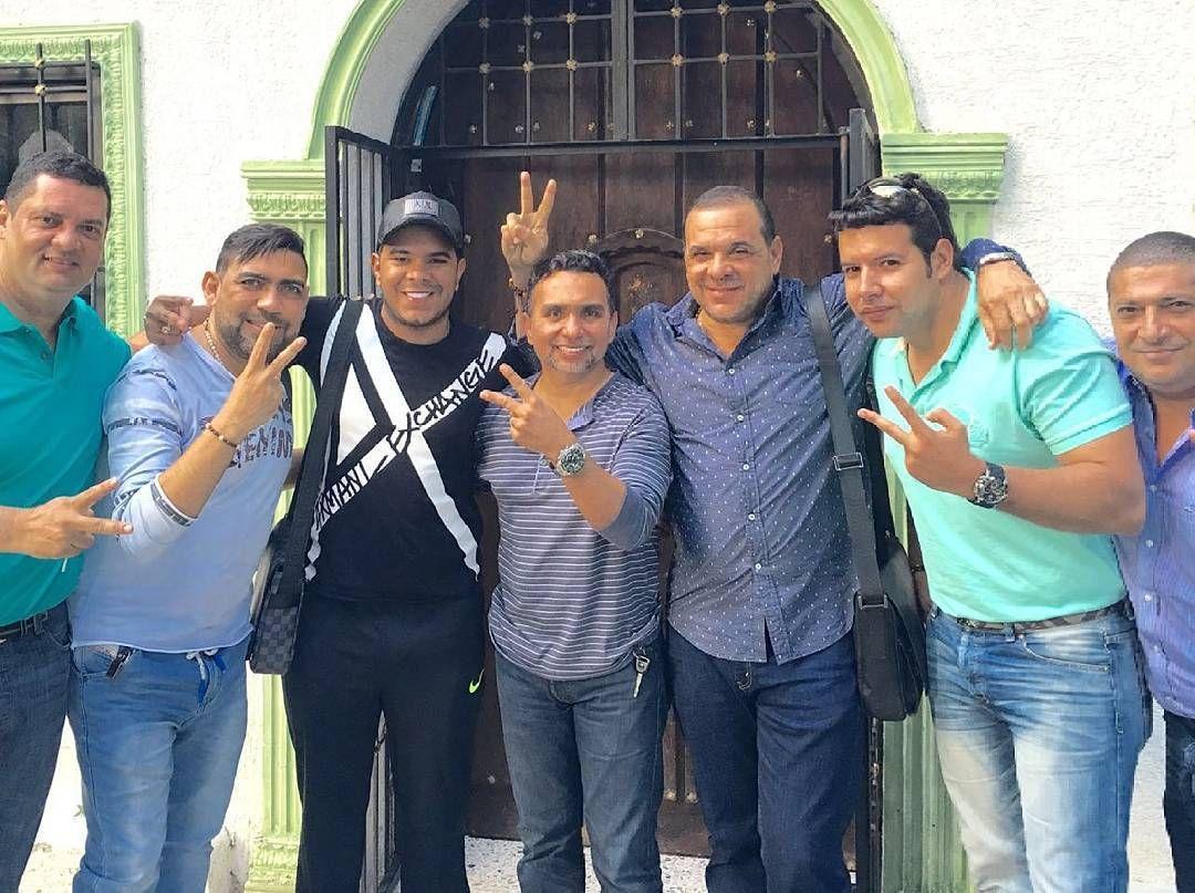 @andresarizavillazon termino hoy su producción dejando listos saludos y animaciones aquí con su equipo de trabajo y amigos @chemolina @luismariooñate @Javiermugno @fmiguelmaestreariza @lujoma @andarive by arizismosanjuanero