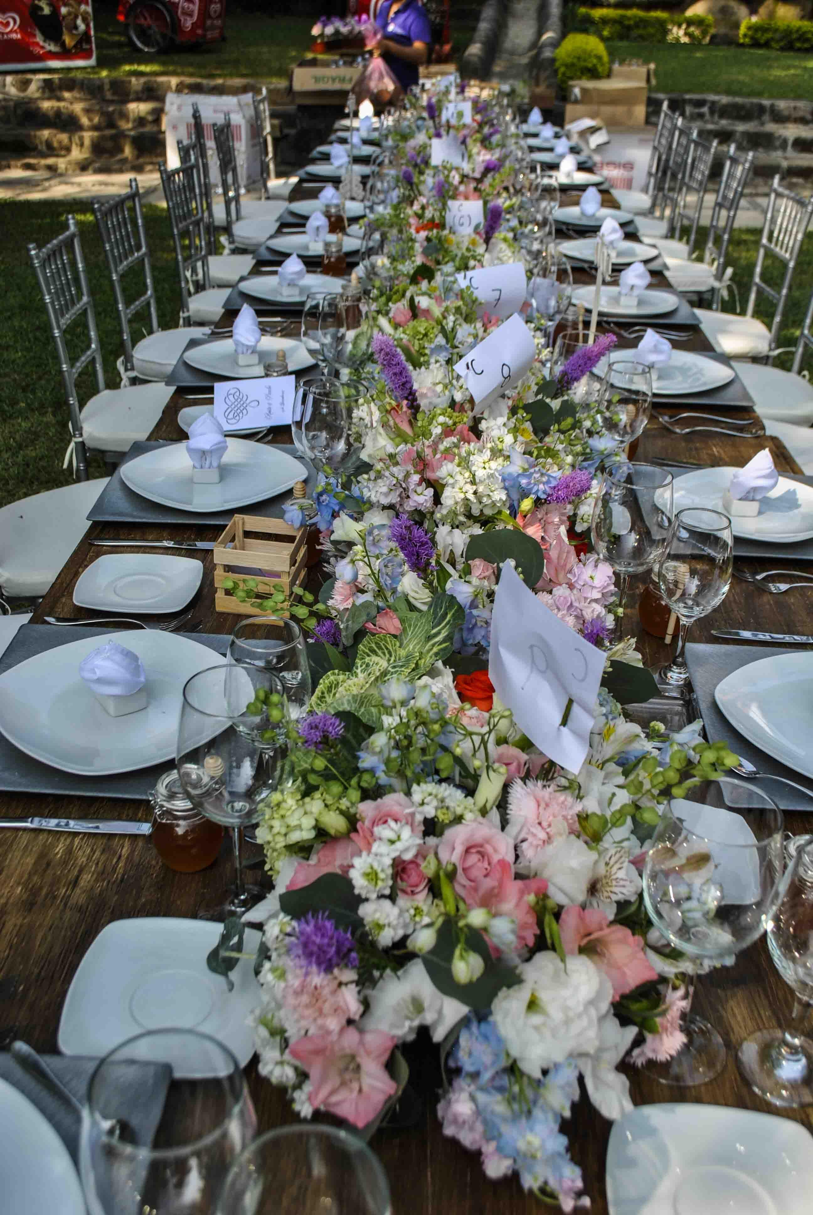 Arreglo floral camino de mesa flores bodas en morelos - Caminos de mesa originales ...