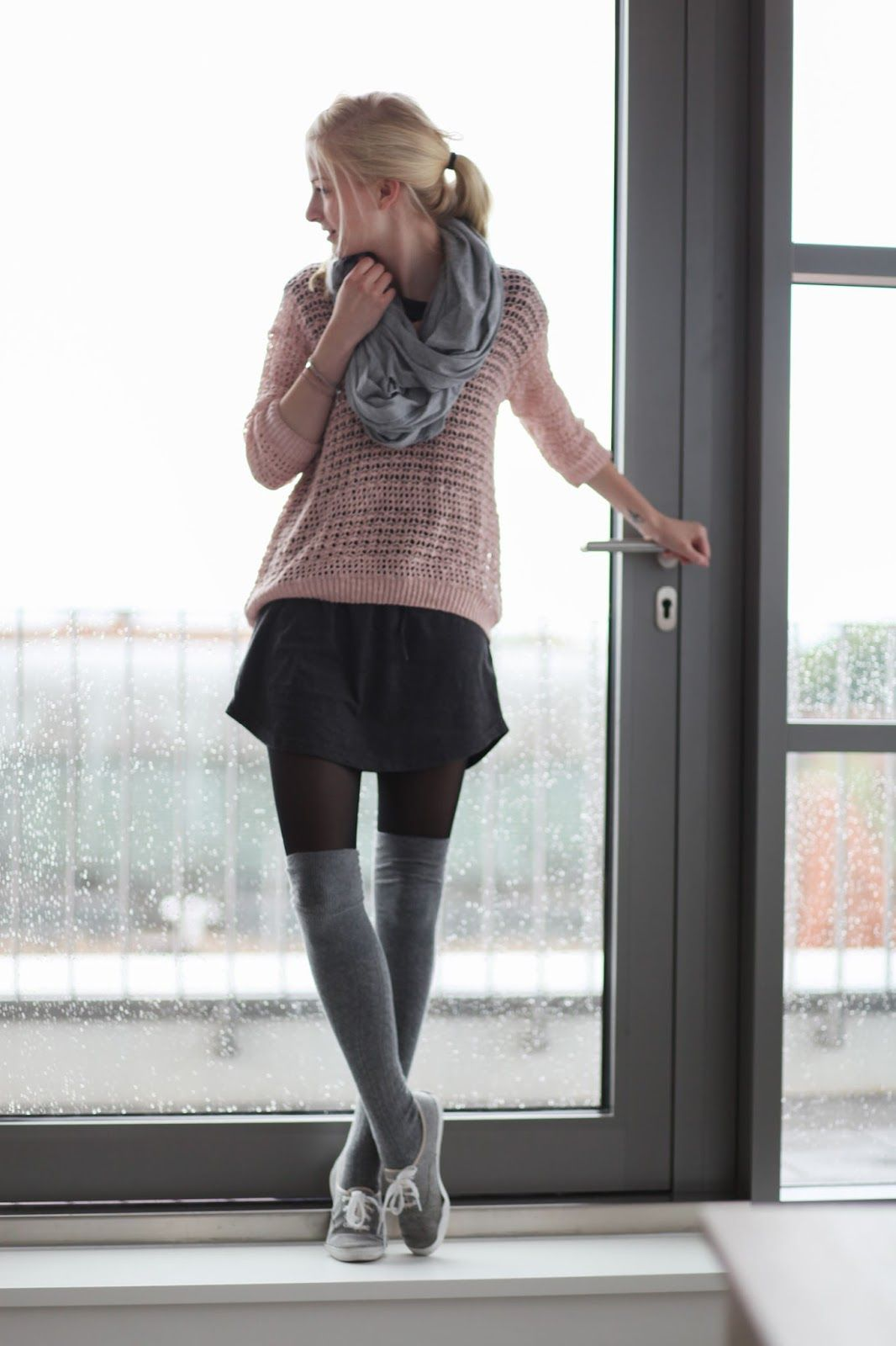 overknees casual sneakers fashion what to wear pinterest outfit overknees outfit und. Black Bedroom Furniture Sets. Home Design Ideas
