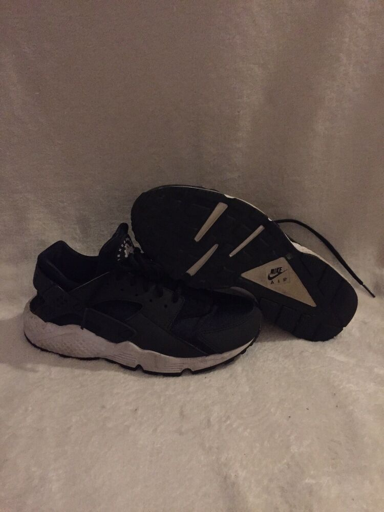 timeless design 586b2 90888 Wmns Nike Air Huarache Run Black White Size 7.5 634835 006 Running Max 90  95 -
