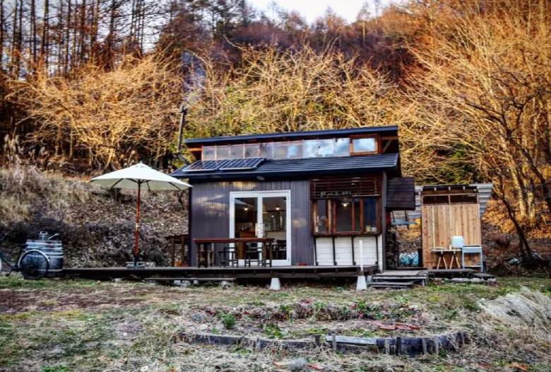 17 Incredible Tiny Houses You Can Rent On Airbnb Now