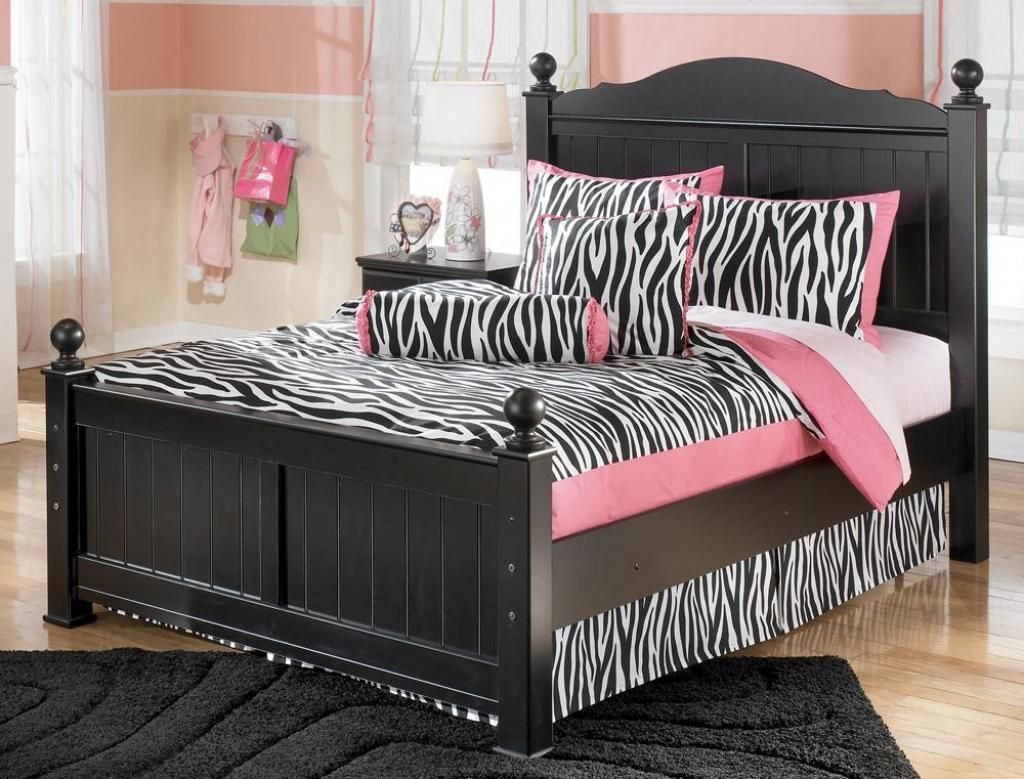 Pink And Black Bedroom Designs Pleasing Gothic Full Size Bed Design Ideas Pink Black Bed Cover And Pillows Design Inspiration