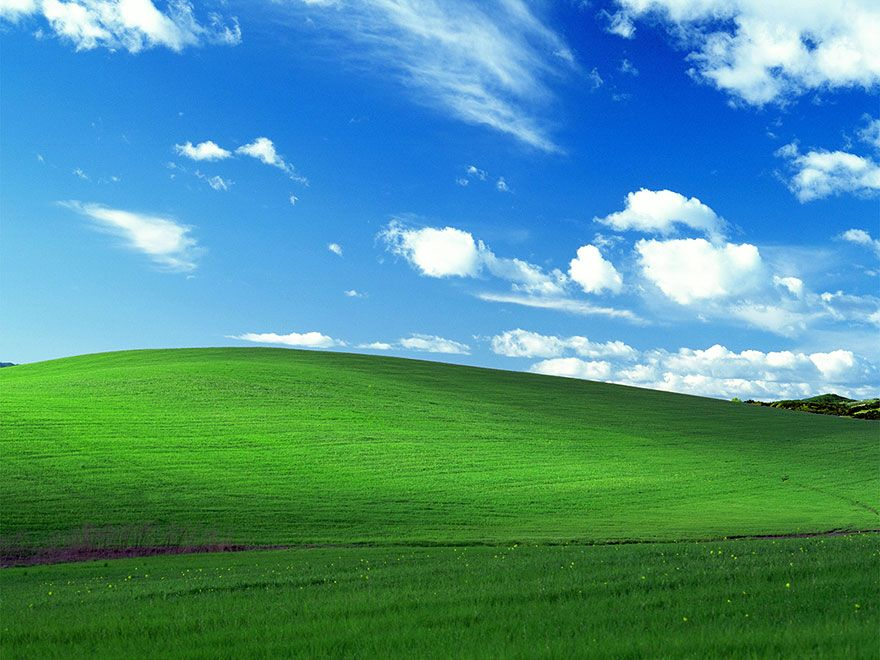 The World S Most Viewed Photo The Windows Xp Bliss Wallpaper Is A Real Unaltered Photo Windows Wallpaper Windows Xp Backgrounds Desktop