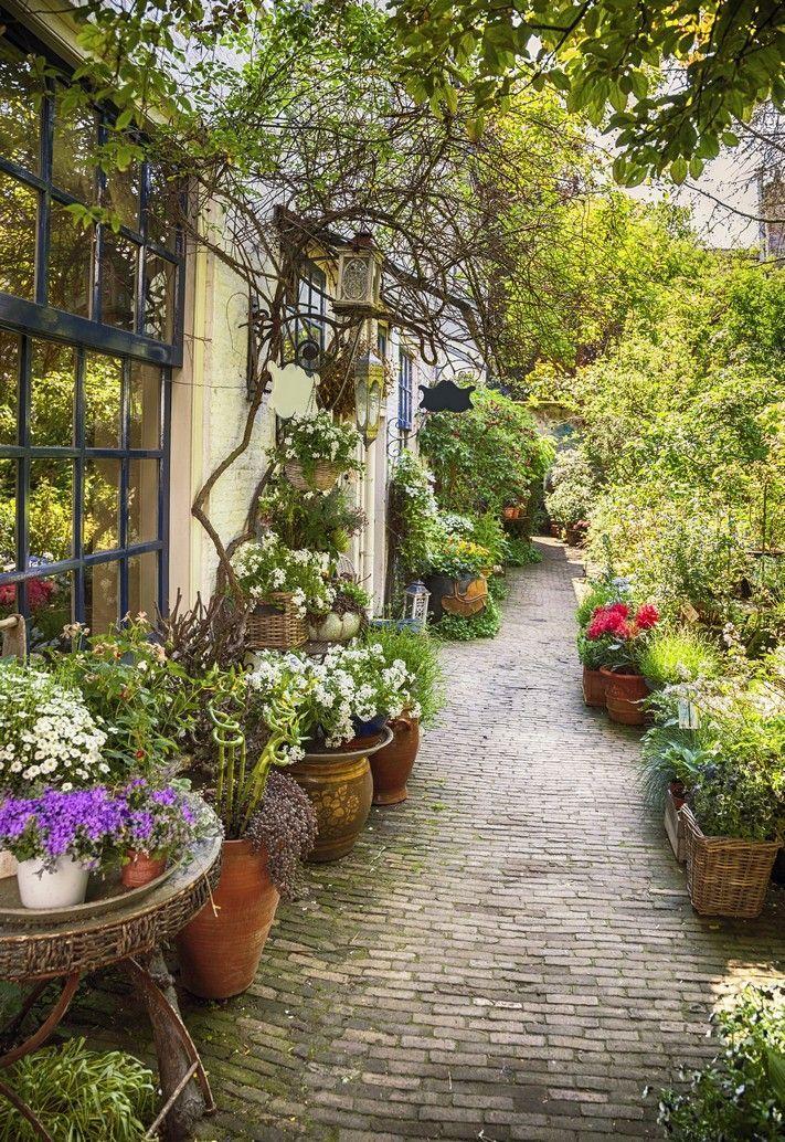 Stunning Italian Style Yard And Garden Small Garden Garden