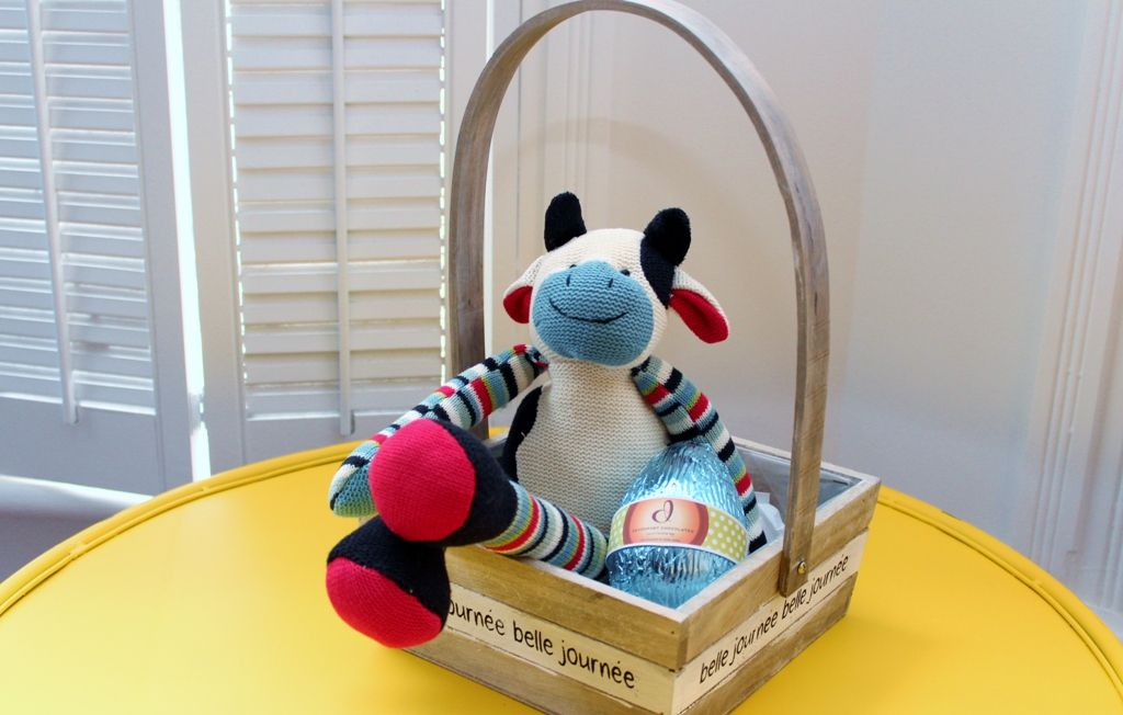 Mr bull soft toy in a basket with a luxury surprise easter egg mr bull soft toy in a basket with a luxury surprise easter egg high quality negle Images