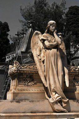 Monjuich Cemetery | Atlas Obscura