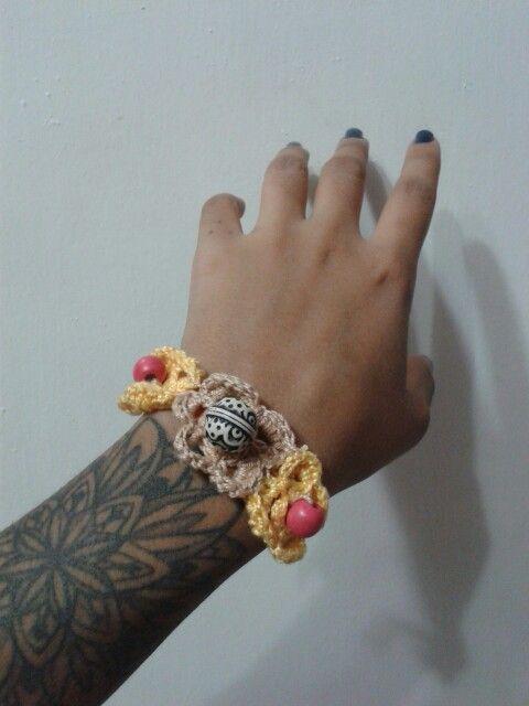Pulsera realizada en crochet