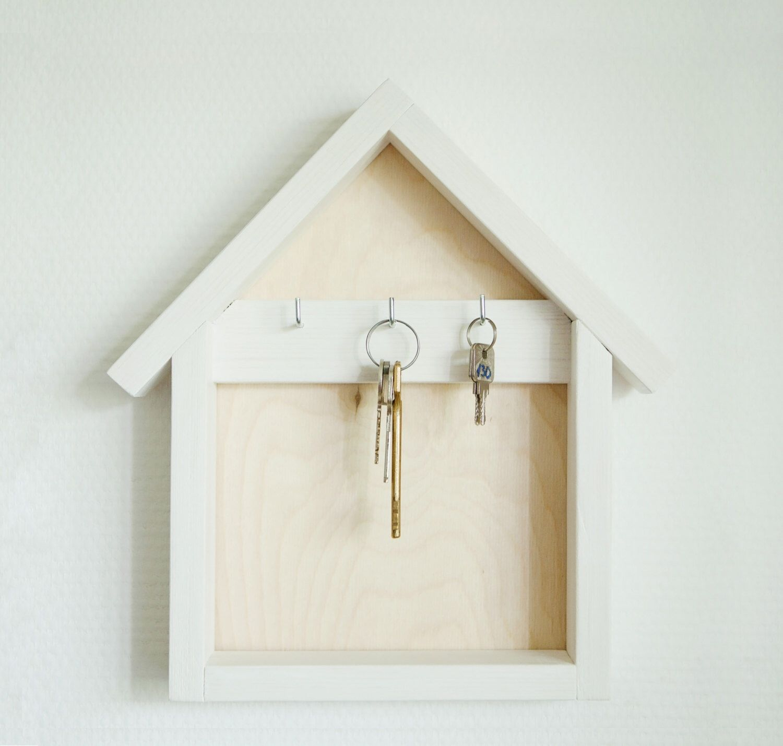 Wooden Key Holder Wood Key Organizer House Shaped Key Hanger White Key Chain Wall Decor Home Gift Key Hook Wooden Key Holder Key Holder Diy Wall Key Holder