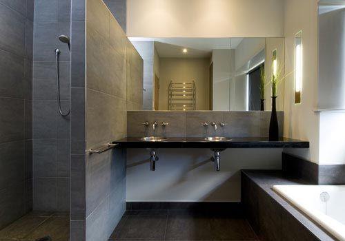 Modern Badkamer Interieur : Badkamer met strakke uitstraling interieur inrichting badkamer