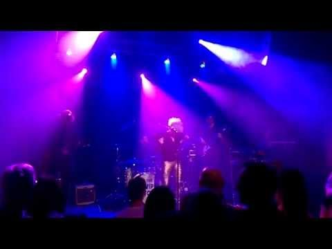 In Or Out - Laura Vane & The Vipertones (Live @ Dolhuis) - YouTube