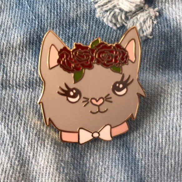 'Flower Crown Cat' Pin – Gimme Flair