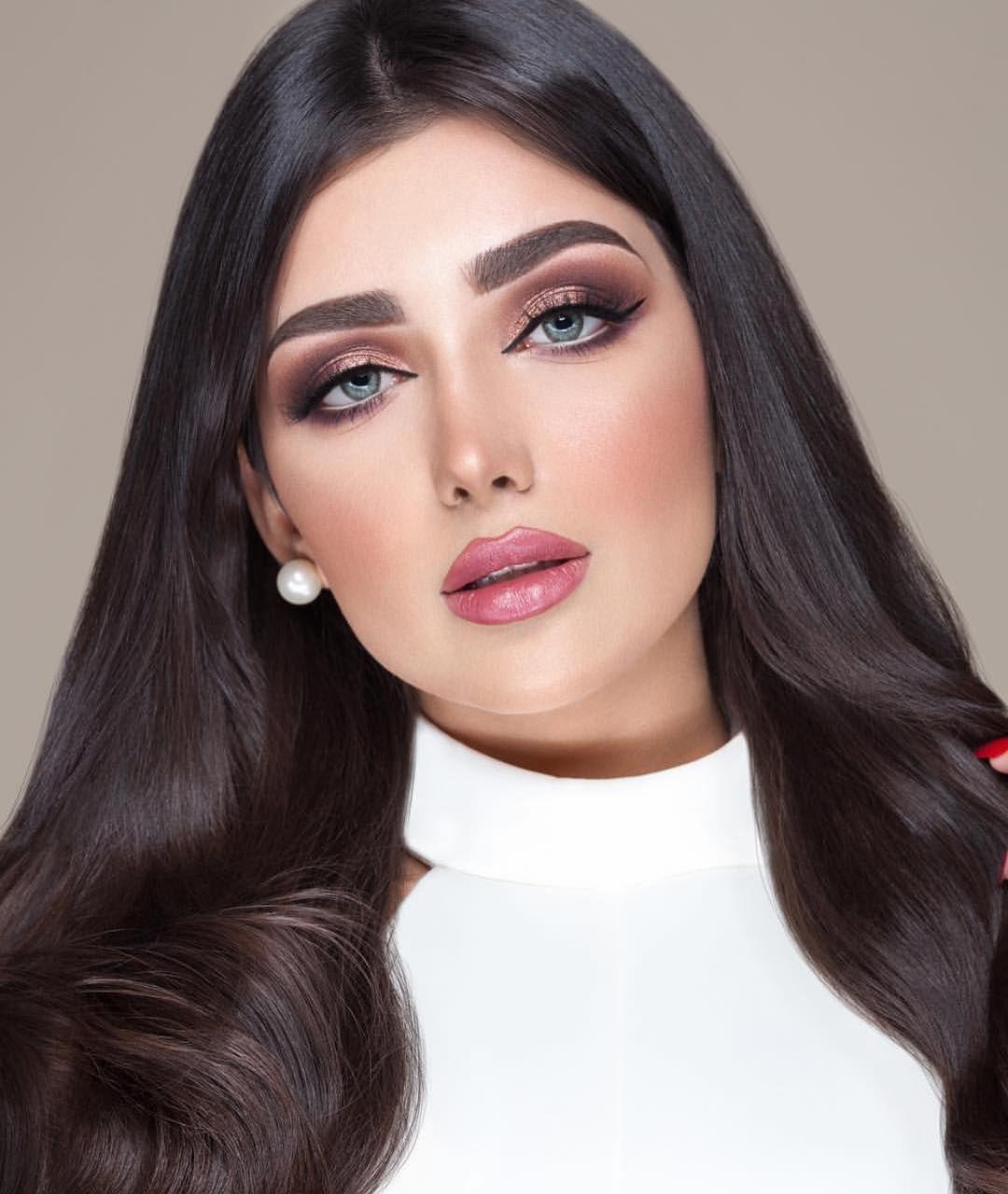 Image May Contain 1 Person Closeup Beauty Makeup Photography Persian Makeup Arab Beauty