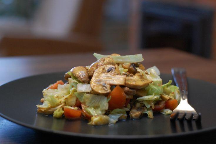 Fotorecept: Zeleninový šalát s čerstvými šampiňónmi