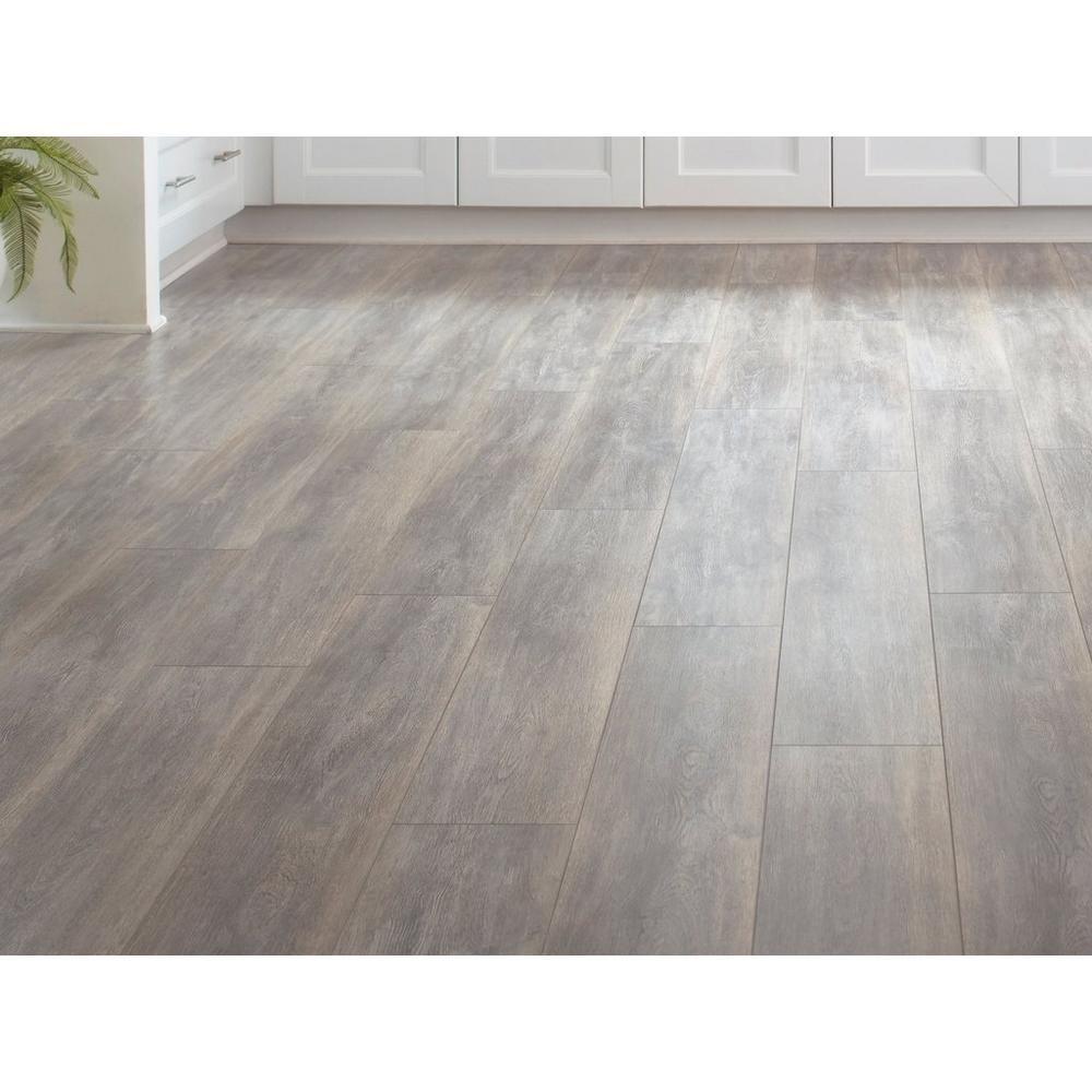 Century Oak Laminate Floor Decor Oak Laminate Oak Laminate Flooring Flooring