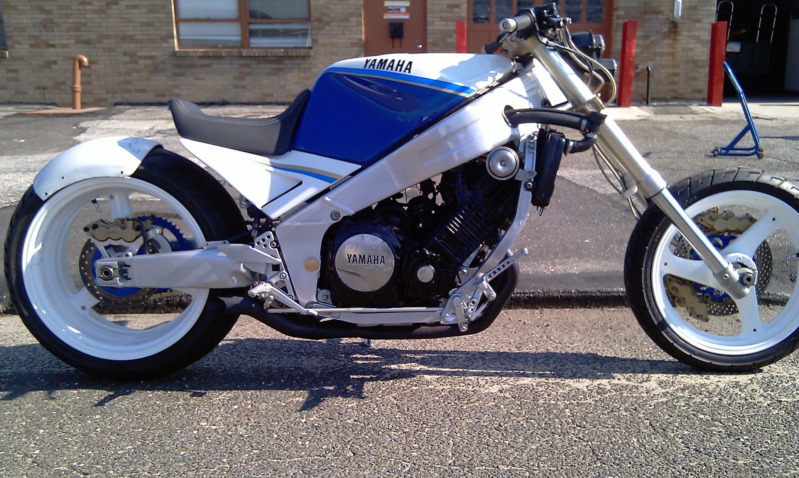 1988 Yamaha FZR 1000