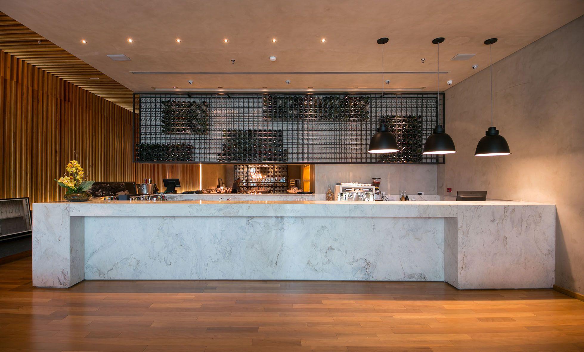Balcao Revestido Em Marmore Calacatta Michelangelo Restaurante