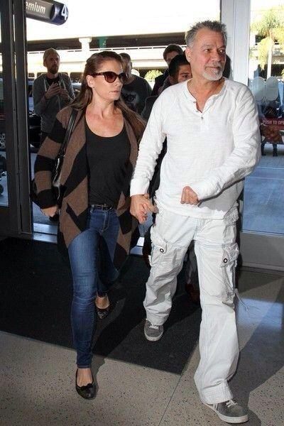 Eddie Van Halen And Wife Janie Arrive At Lax Airport On 1 23 15 Van Halen Eddie Van Halen Halen