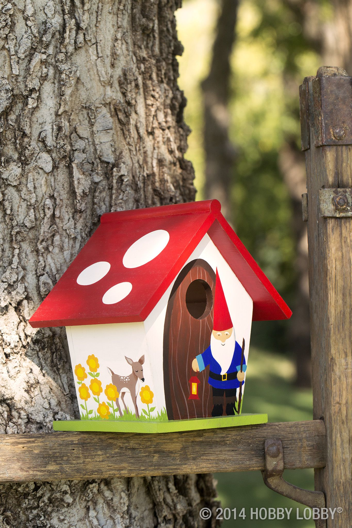 bd64d41df9aa96ab516d745560086312 Painted Bird House Watering Can Shape Designs on soda can bird house, clay pot bird house, beehive bird house, flower pot bird house, terra cotta pot bird house,