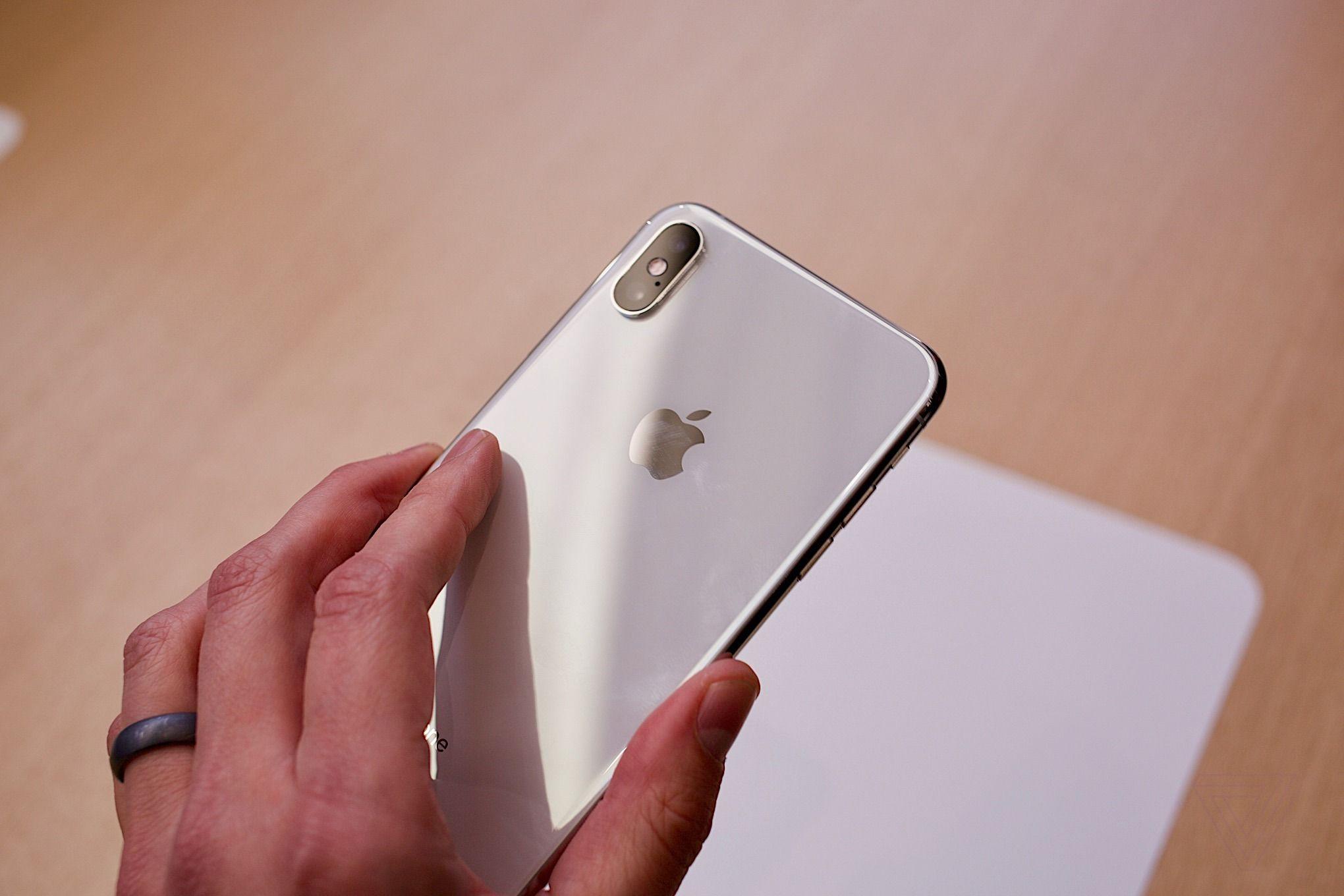 iPhone XS có dung lượng thực tế thấp hơn 8GB so với quảng cáo