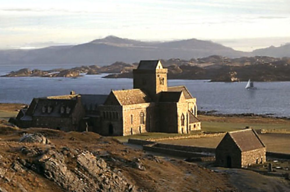 Iona Abbey 4 for website