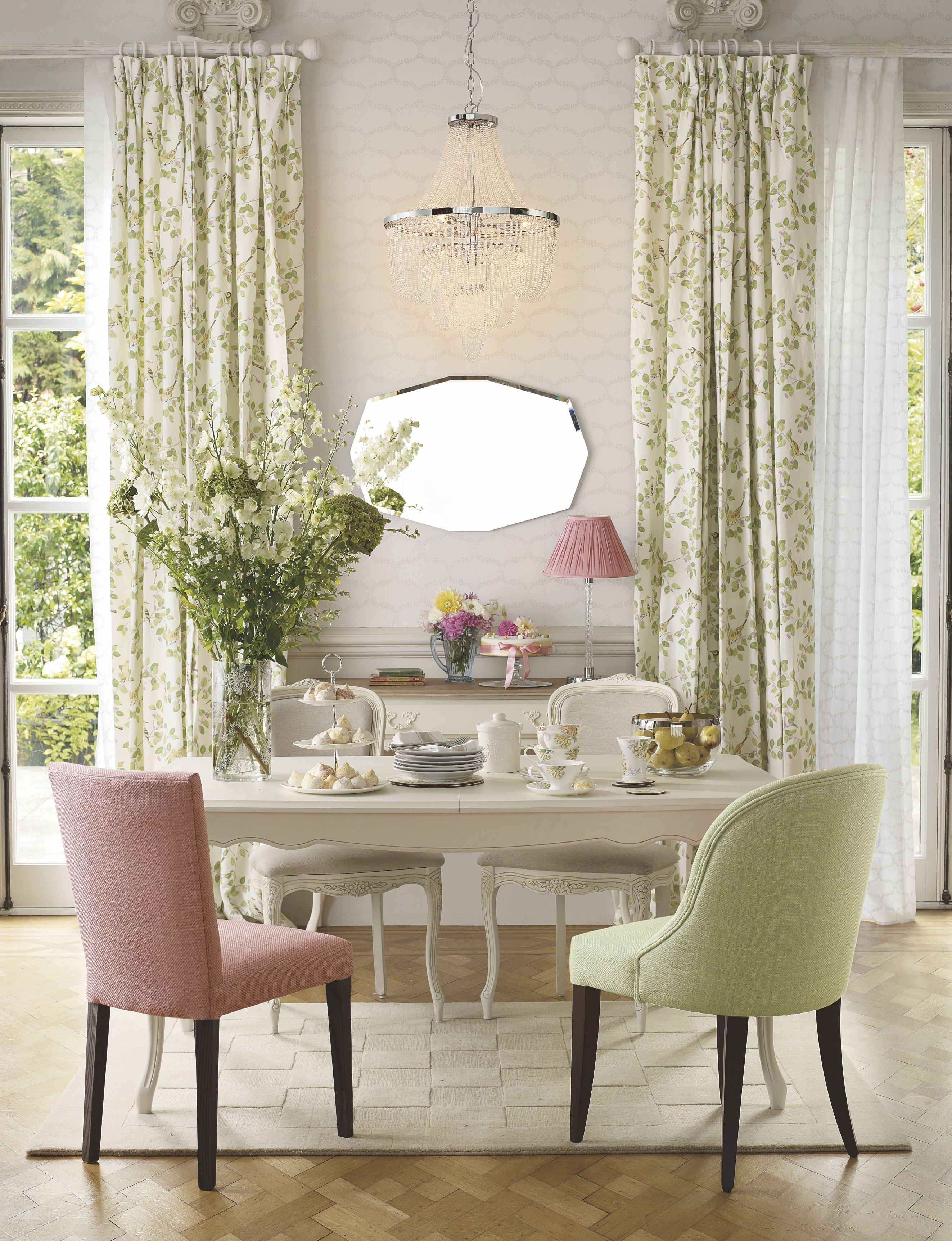 Flower marquee spring summer 2014 laura ashley home for Comedores ashley