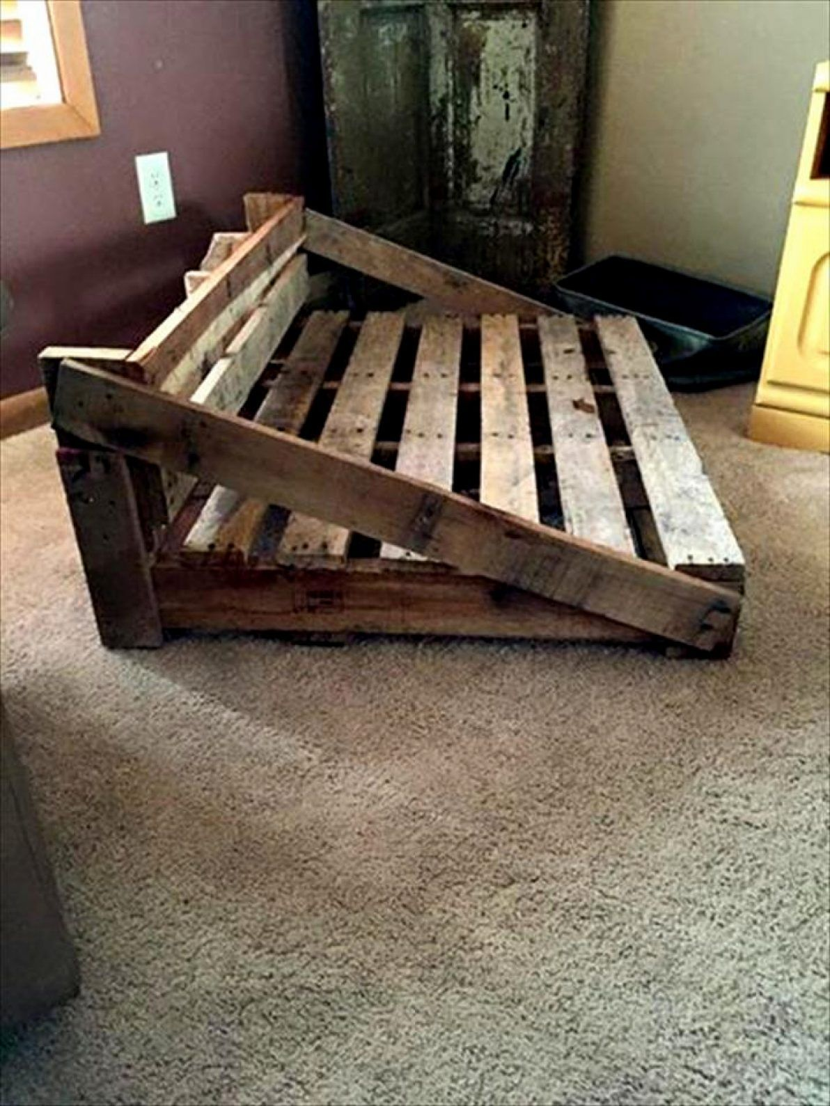 10 Diy Recycled Wood Pallet Dog Bed New Designs Pallet Dog Beds Rustic Dog Beds Wooden Dog Bed