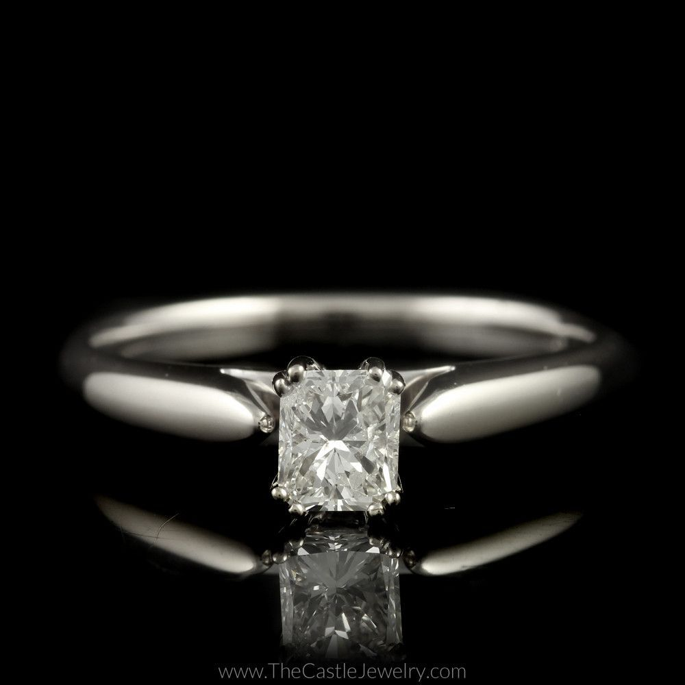 Beautiful radiant cut diamond solitaire engagement ring in k white
