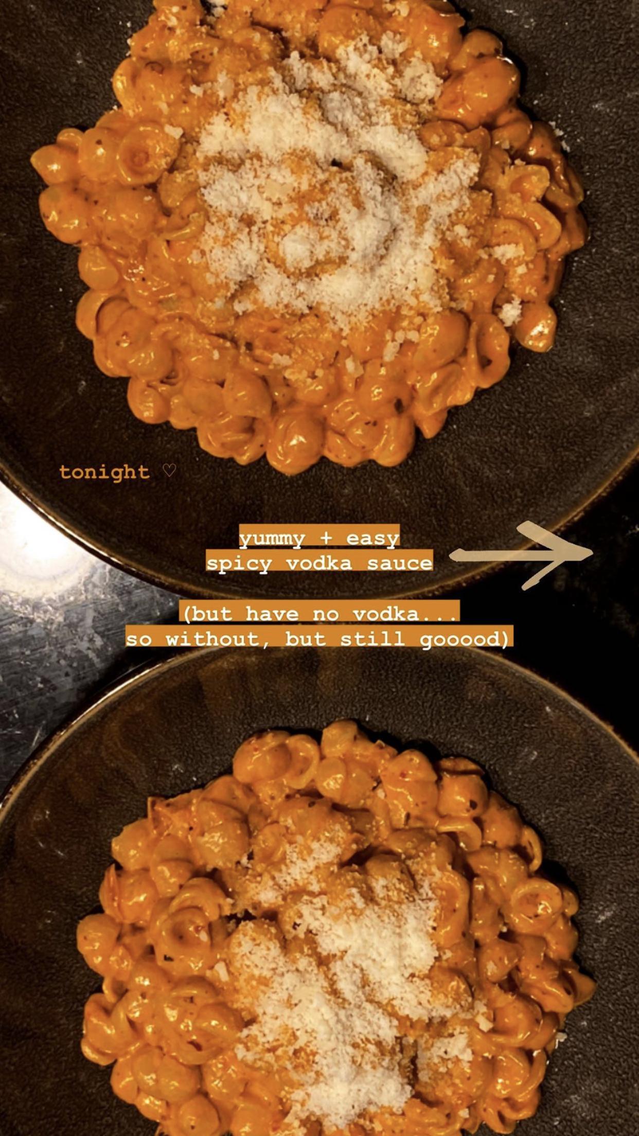 Gigi Hadid S Homemade Vodka Sauce Recipe Looks Tasty Af In 2020 Pasta Recipes Vodka Pasta Pasta