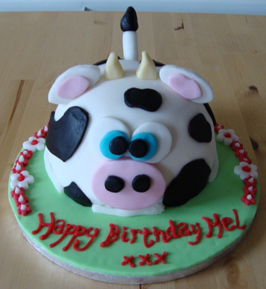 Pin By Ericka Madrigal On Toros Pinterest Cow Cakes Cake And Cow