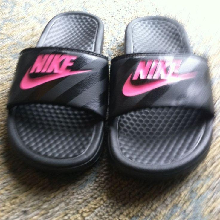 7c66905eb7f2 Nike Benassi JDl Slide Slip On Sandal Womens US Size 6 Black Pink  Nike   Slides - Nike Benassi - Latest   trending Nike Benassi  nike  benassi   nikebenassi ...