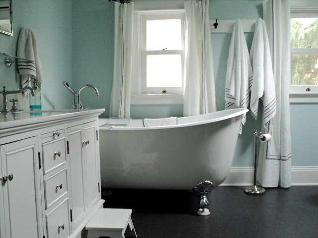 Craftsman Bathroom With Dark Marmoleum Floor
