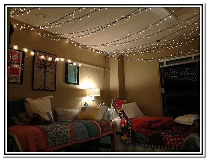 Cute bedroom string lights k322 pinterest bedrooms lights and apartments for Young woman bedroom and string lights