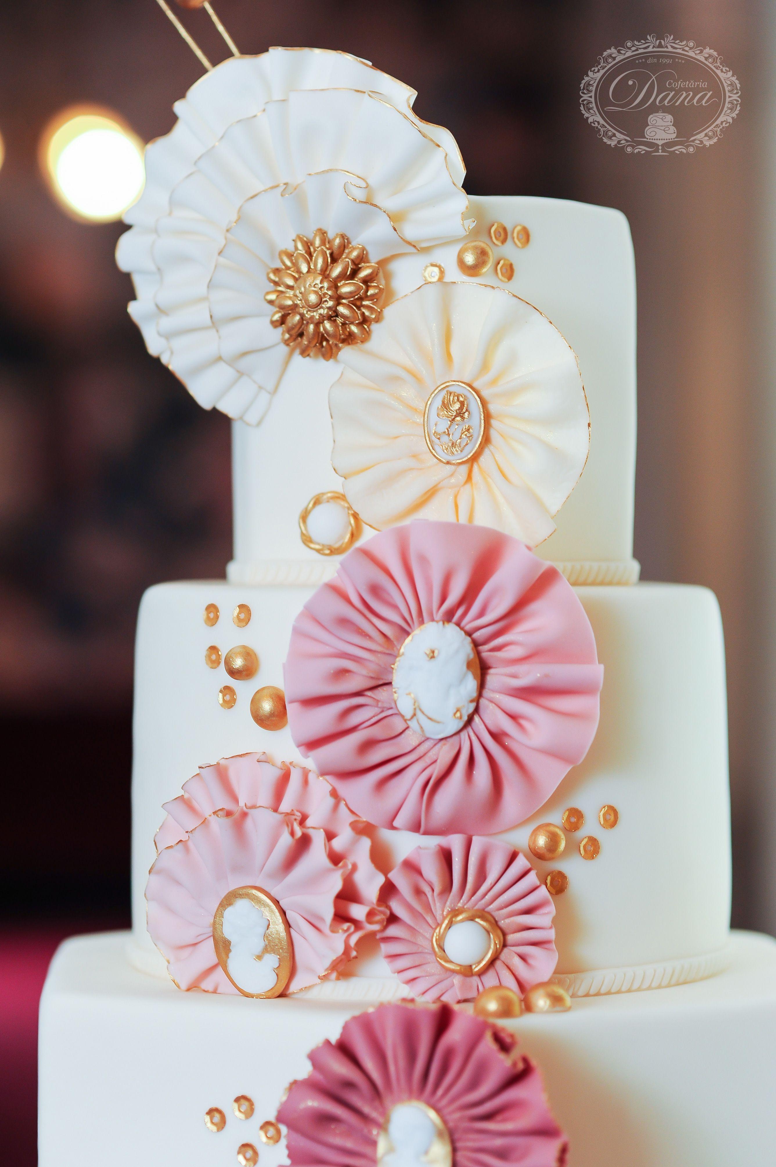 Vintage wedding cake - Cofetaria Dana https://www.facebook.com ...