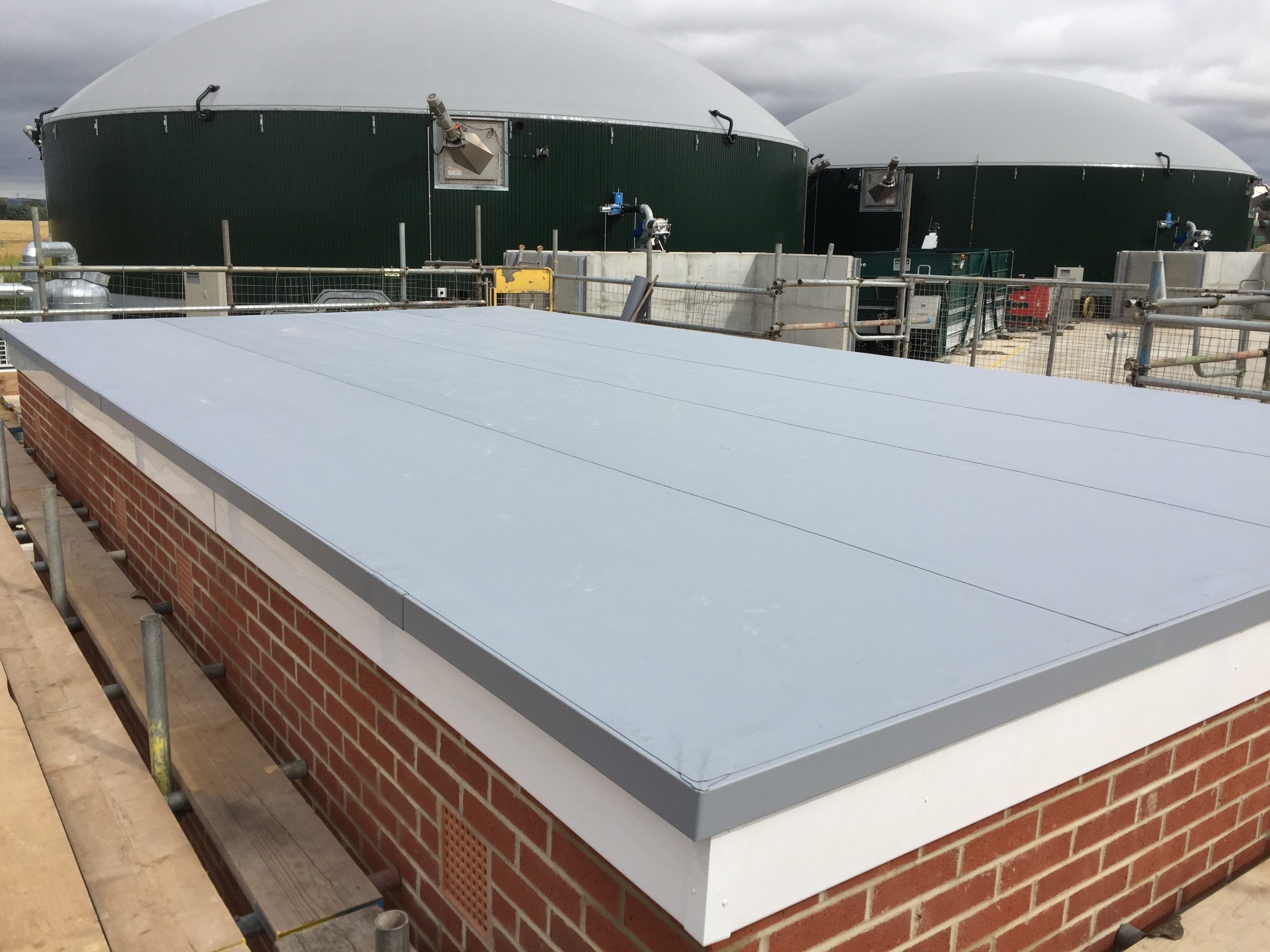 How To Find The Best Reliable And Affordable Commercial Roof Repairs In London Commercial Roofing Roofing Residential Contractor