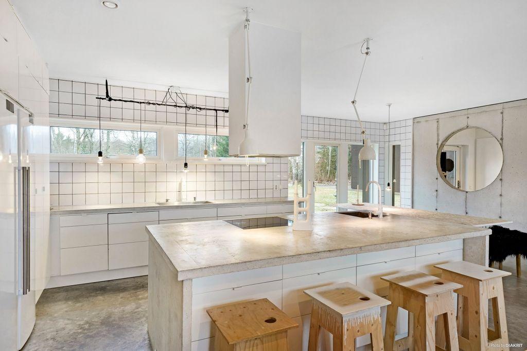 Köket - white concrete kitchen