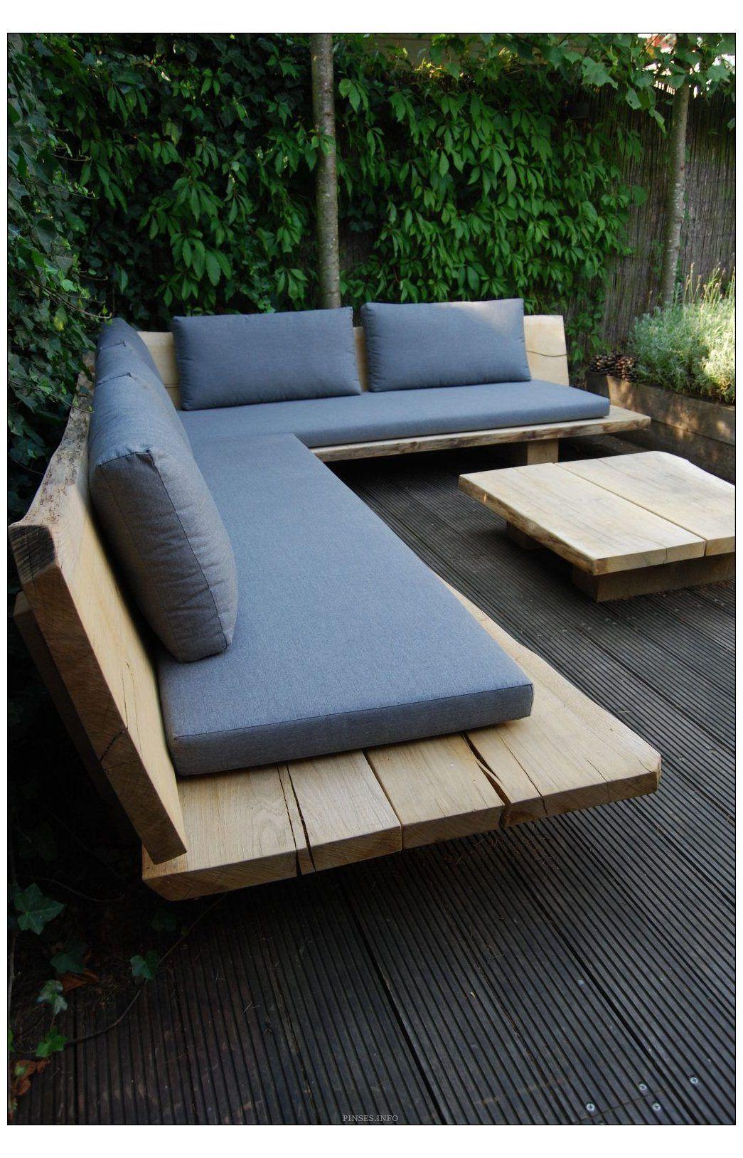 DIY OUTDOOR SOFA #diy #garden #sofa 6 Cool DIY Outdoor Sofa Ideas