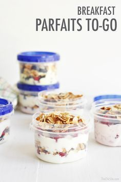 A perfect make-ahead breakfast recipe for summer: mini parfaits with cereal, yogurt and fruit.