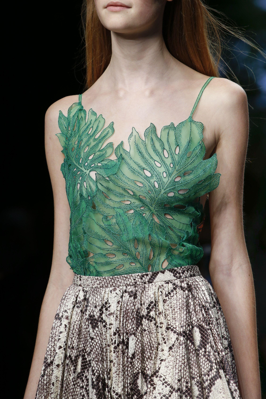 04ea093ac Gucci Spring 2016 Ready-to-Wear Fashion Show | Gucci | Gucci spring ...