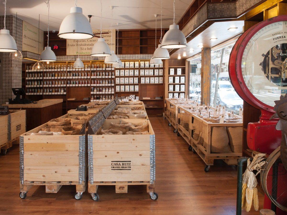 Guía Para Comprar En Una Tienda A Granel Y No Perderse Entre Garbanzos Interiores De Tienda Diseño De Tienda De Panadería Diseño Interior De Tienda