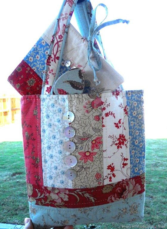 Pretty Tote French General Sewing Needle Works