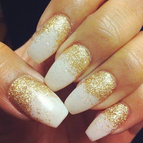 White And Gold Glitter Ombre Nails Nails Gold Nails Glittery